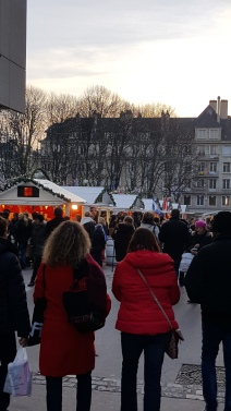 Le coucher de soleil sur le Marché de Noël de Rouen
