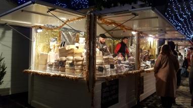 Les généreux fromages du Marché de Noël...